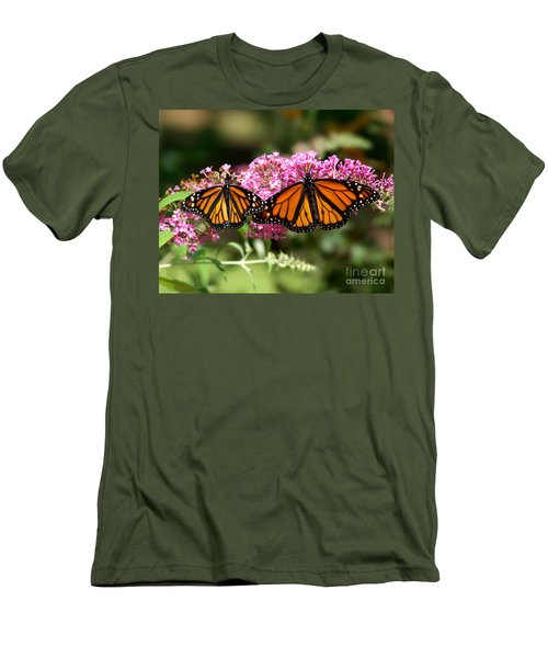 Monarch Butterflies Men's T-Shirt (Athletic Fit)