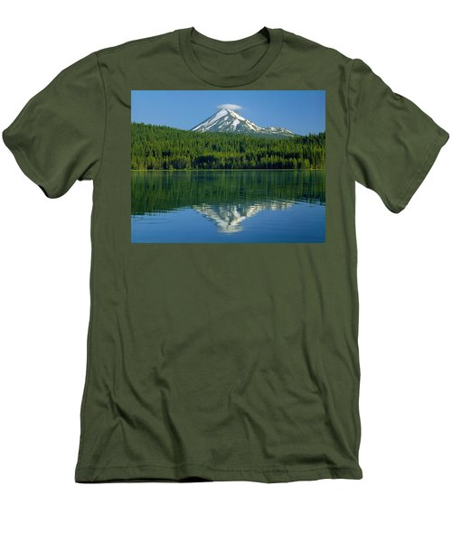 1m5705-h-mt. Mcloughlin From Lake Of The Woods Men's T-Shirt (Athletic Fit)