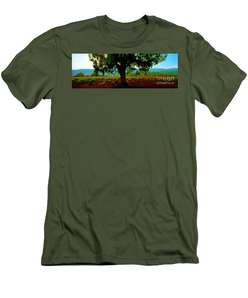 Napa Valley Winery Roadside Men's T-Shirt (Athletic Fit)