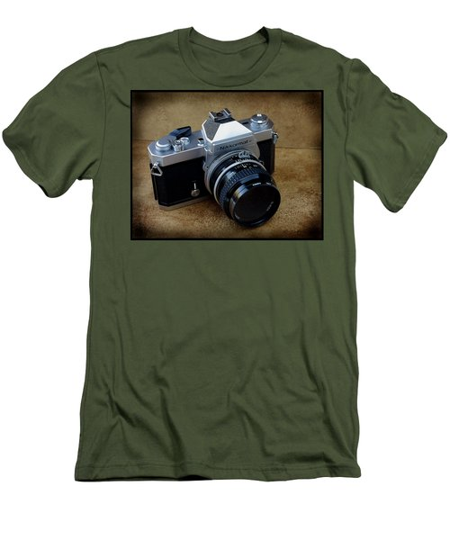 Nikkormat Ft3 Camera Men's T-Shirt (Athletic Fit)