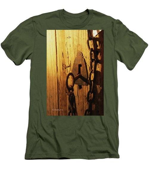 Old Lock And Key Men's T-Shirt (Athletic Fit)