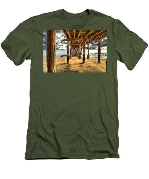 Old Pillar Point Pier Men's T-Shirt (Athletic Fit)