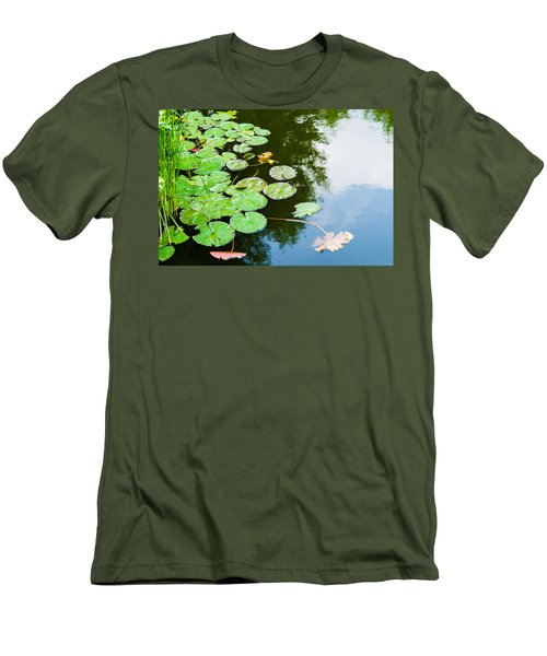 Old Pond - Featured 3 Men's T-Shirt (Athletic Fit)