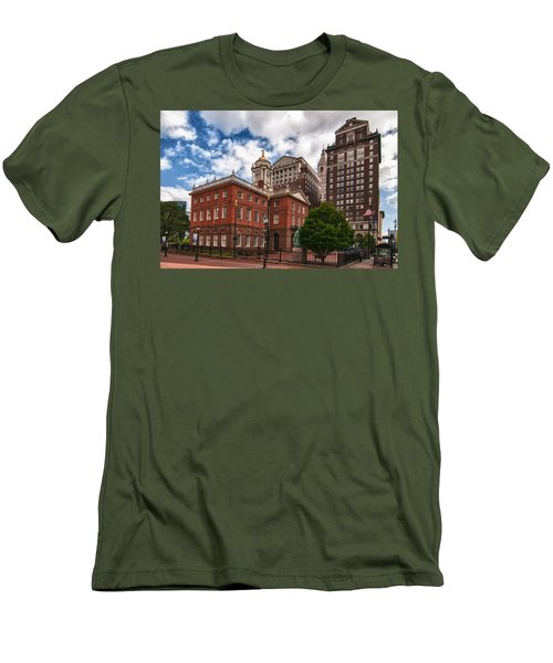 Old State House Men's T-Shirt (Slim Fit) by Guy Whiteley