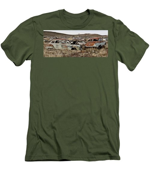 Old Wrecks Men's T-Shirt (Athletic Fit)