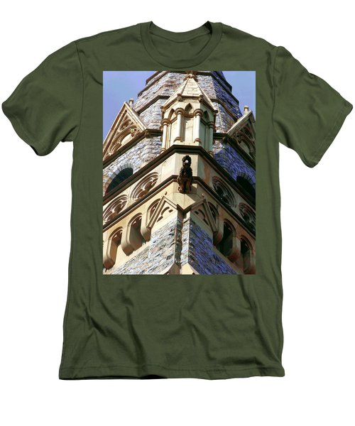 Packer Memorial Church Detail Men's T-Shirt (Athletic Fit)