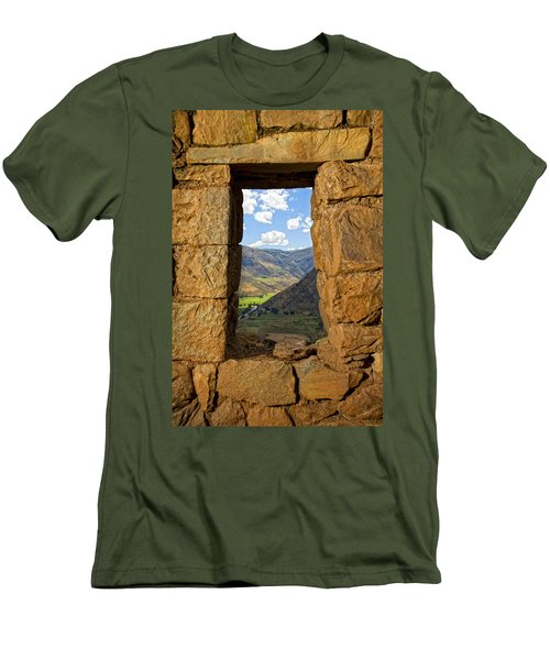 Pisac Ruins Men's T-Shirt (Athletic Fit)