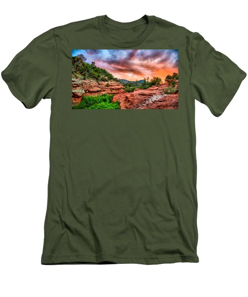 Red Canyon Men's T-Shirt (Athletic Fit)