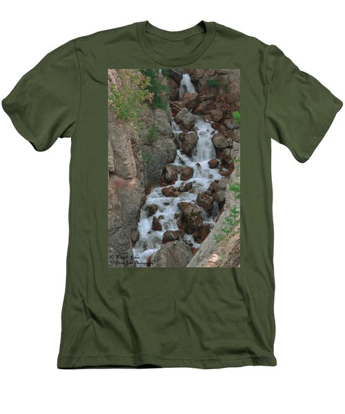 Red Rock Falls Men's T-Shirt (Athletic Fit)