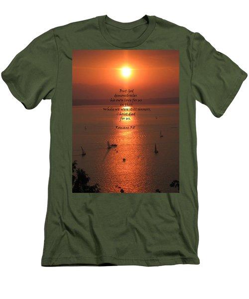 Romans 5 8 Men's T-Shirt (Athletic Fit)