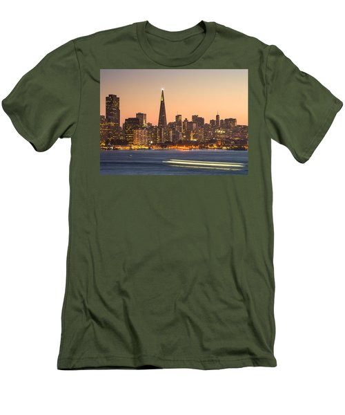 San Francisco Skyline Late Evening Men's T-Shirt (Athletic Fit)