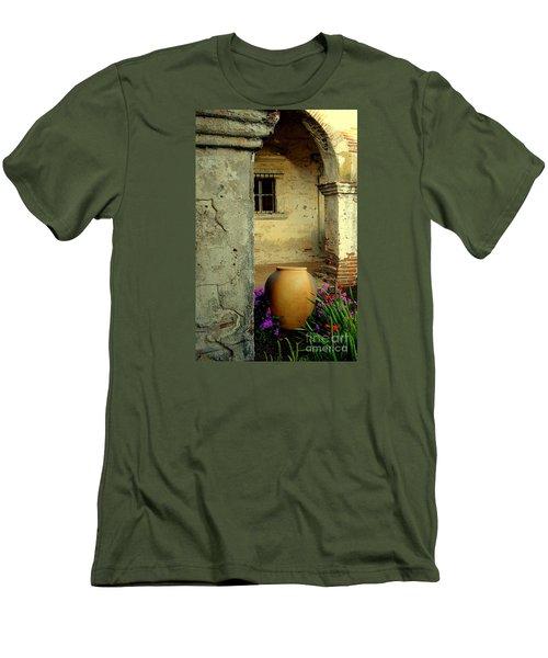 San Juan Capistrano  Men's T-Shirt (Athletic Fit)
