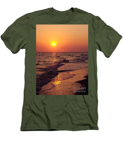 Men's T-Shirt (Slim Fit) featuring the photograph Sanibel Sunset by D Hackett