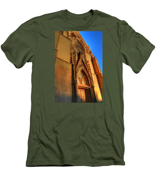 Santa Fe Church Men's T-Shirt (Athletic Fit)