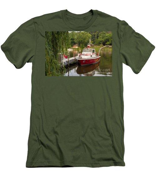 Saugatuck Fire Boat Men's T-Shirt (Athletic Fit)