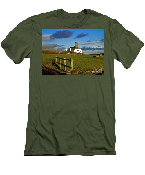 Scene From Giants Causeway Men's T-Shirt (Athletic Fit)