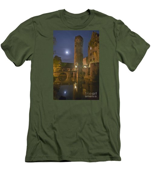 Schloss Sommersdorf By Moonlight Men's T-Shirt (Athletic Fit)