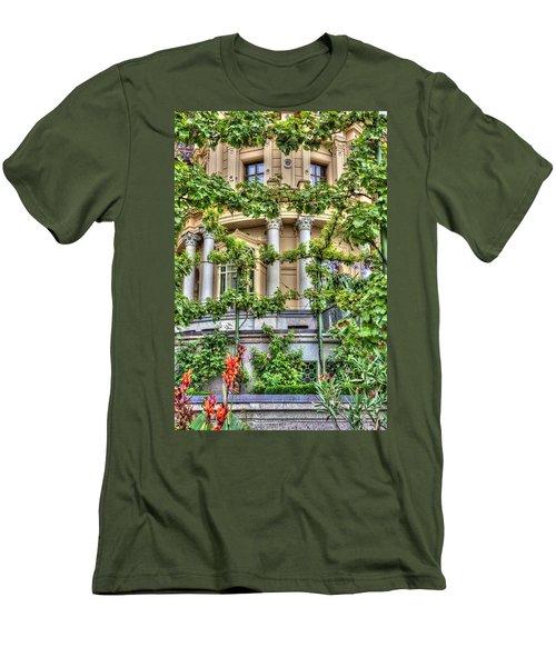 Schwerin Castle Windows. Men's T-Shirt (Athletic Fit)