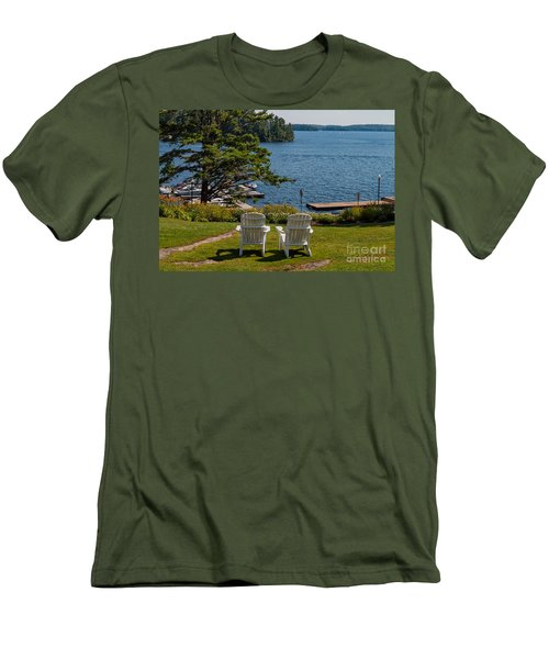 Sitting Pretty Men's T-Shirt (Slim Fit) by Les Palenik