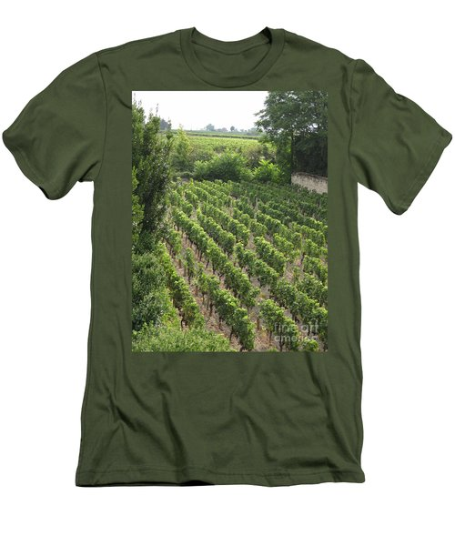 St. Emilion Vineyard Men's T-Shirt (Athletic Fit)