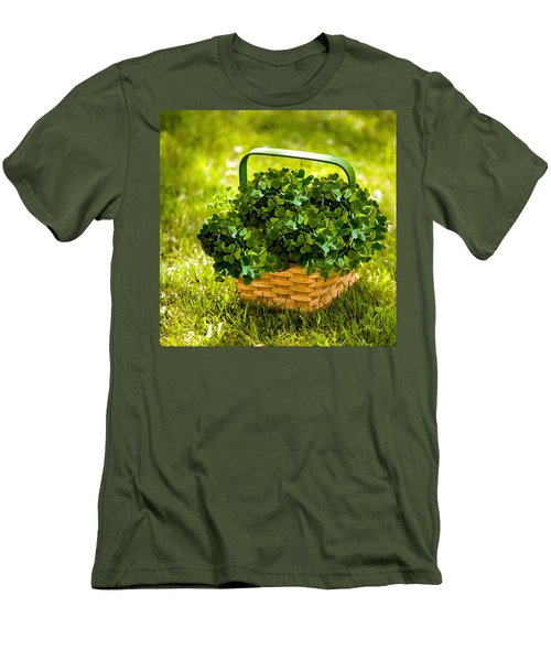 St Patricks Day Men's T-Shirt (Athletic Fit)