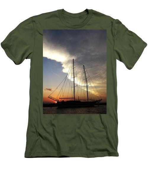 Sunset On The Turkish Gulet Men's T-Shirt (Athletic Fit)