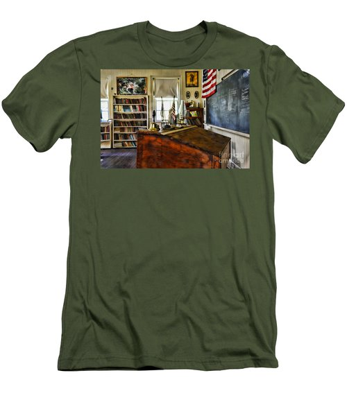 Teacher - Vintage Desk Men's T-Shirt (Athletic Fit)