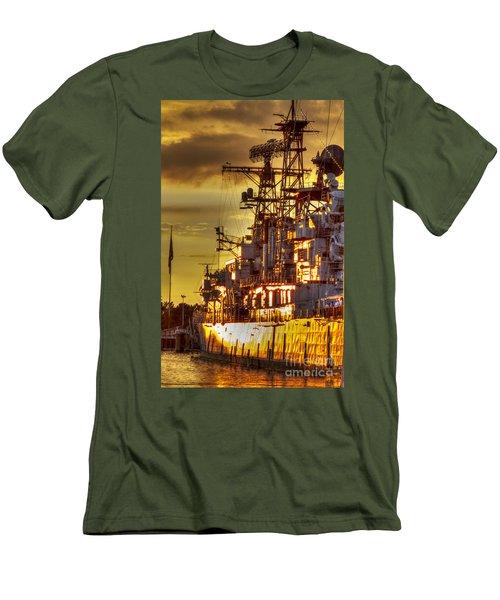 The Glory Days -  Uss Sullivans Men's T-Shirt (Athletic Fit)