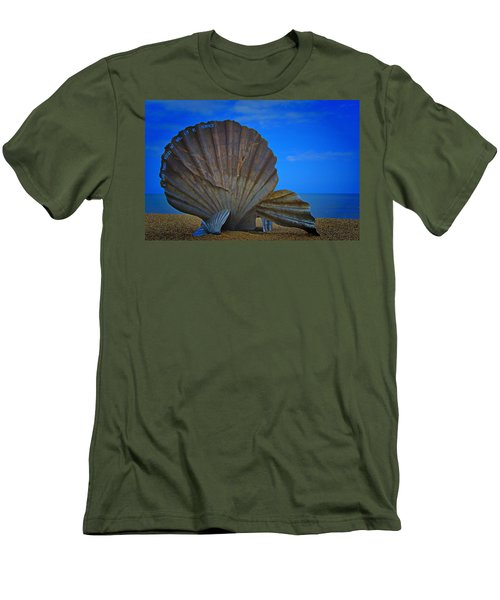 The Scallop Men's T-Shirt (Athletic Fit)