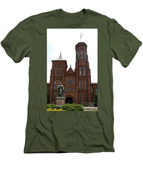 The Smithsonian - Washington Dc Men's T-Shirt (Athletic Fit)