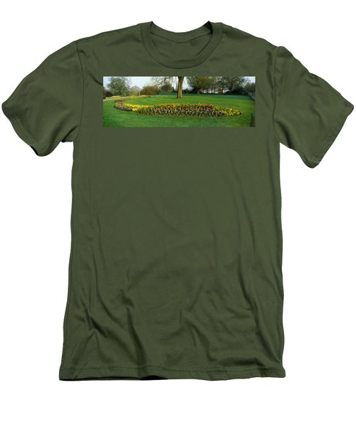 Tulips In Hyde Park, City Men's T-Shirt (Slim Fit) by Panoramic Images