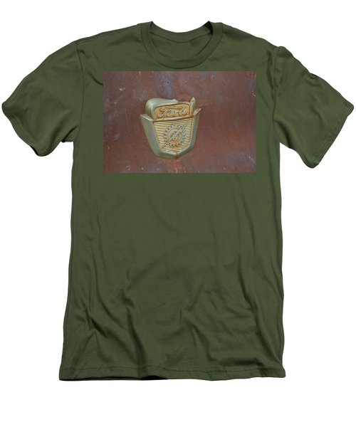 Vintage Badge Men's T-Shirt (Athletic Fit)
