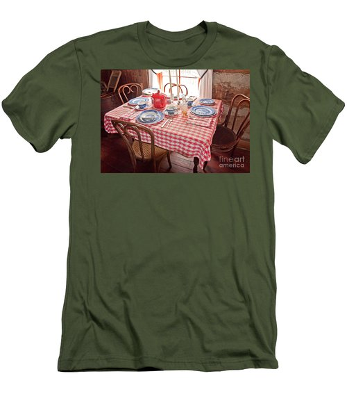 Vintage Kitchen Table Art Prints Men's T-Shirt (Athletic Fit)