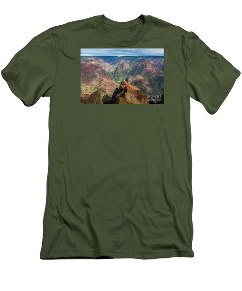 Men's T-Shirt (Slim Fit) featuring the photograph Wonders Of Waimea by Suzanne Luft
