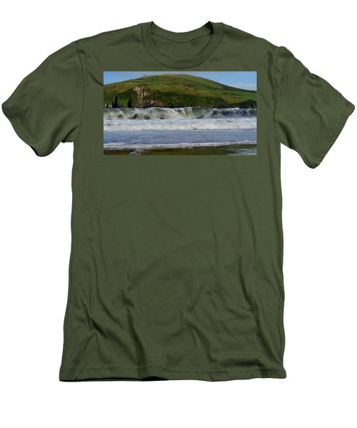 Beenbane Beach Men's T-Shirt (Athletic Fit)