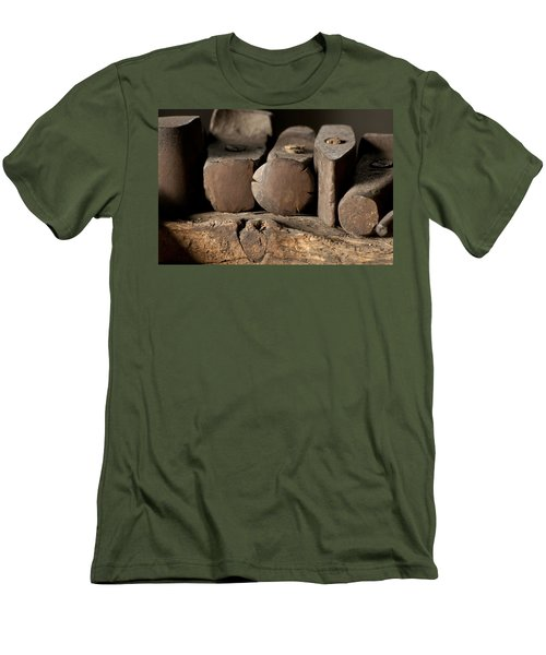 Blacksmith  Hammers Men's T-Shirt (Athletic Fit)