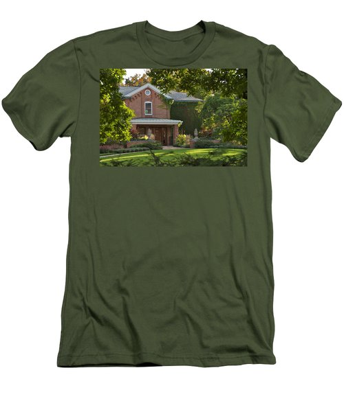 Men's T-Shirt (Slim Fit) featuring the photograph Cowles House by Joseph Yarbrough