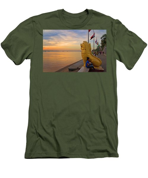 Greeting The Dawn. Men's T-Shirt (Athletic Fit)