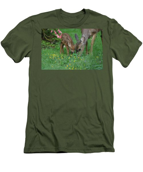 Mama And Spotted Baby Fawn Men's T-Shirt (Slim Fit) by Kym Backland