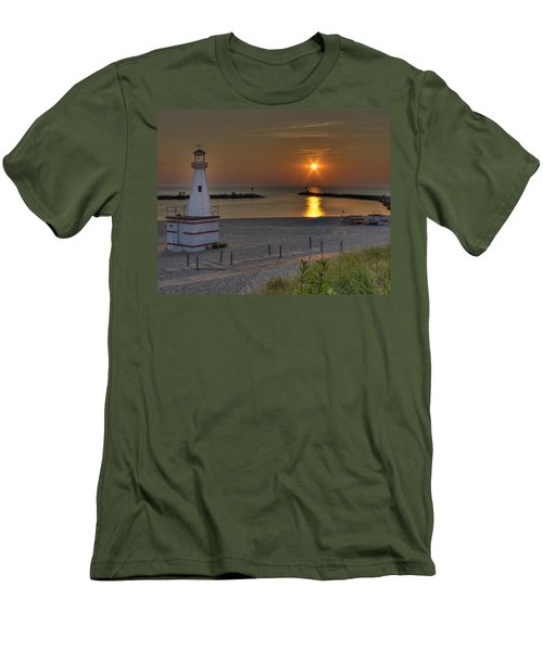 New Buffalo City Beach Sunset Men's T-Shirt (Athletic Fit)