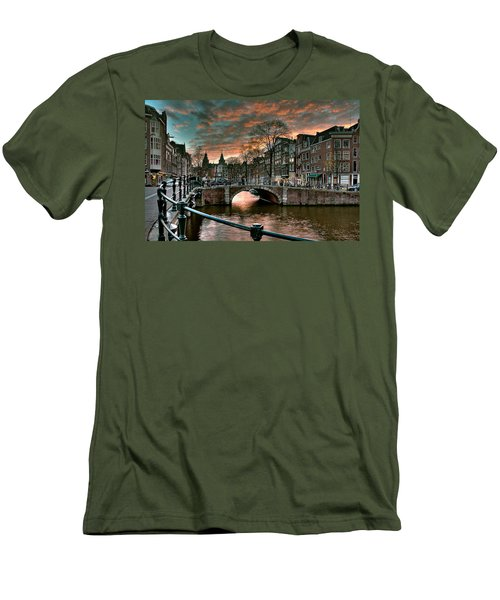 Prinsengracht And Reguliersgracht. Amsterdam Men's T-Shirt (Athletic Fit)