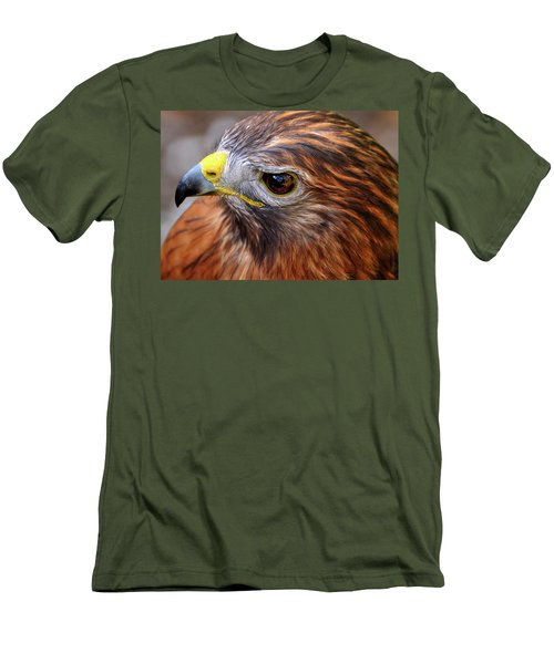 Red-tailed Hawk Close Up Men's T-Shirt (Athletic Fit)