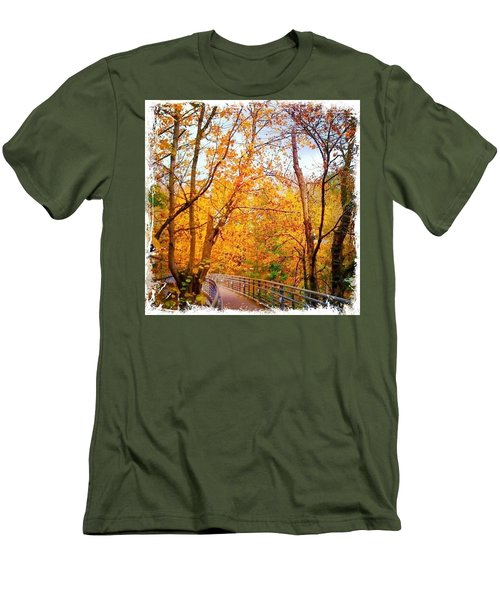 Reed College Canyon Bridge To Campus Men's T-Shirt (Athletic Fit)