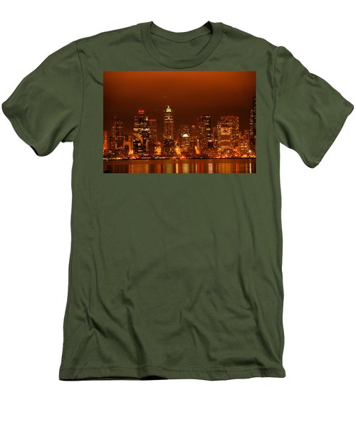 Seattle Skyline Men's T-Shirt (Athletic Fit)