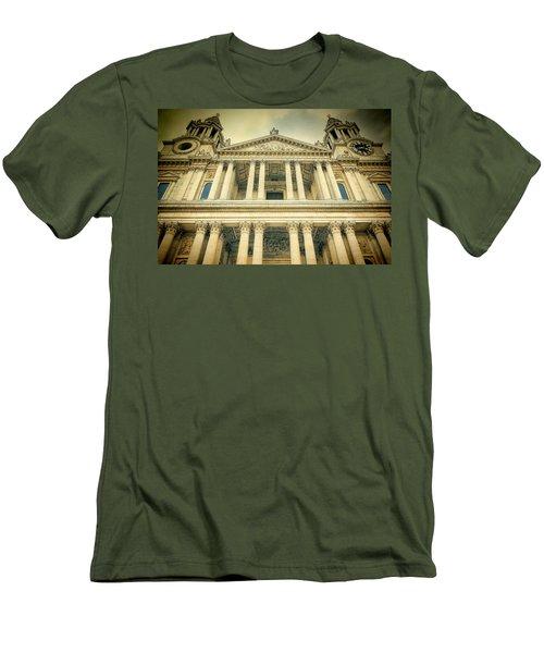 St Pauls Standing Men's T-Shirt (Athletic Fit)
