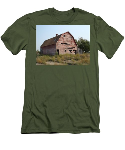 Men's T-Shirt (Slim Fit) featuring the photograph The Hole Barn by Bonfire Photography