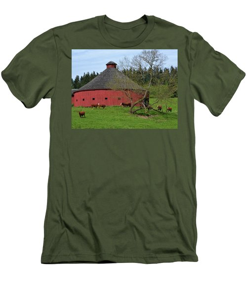 Round Red Barn Men's T-Shirt (Athletic Fit)