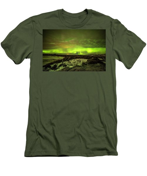 Aurora Borealis Over A Frozen Lake Men's T-Shirt (Athletic Fit)