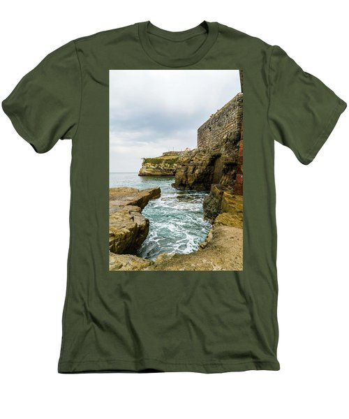 Coastline Of The Bay Men's T-Shirt (Athletic Fit)