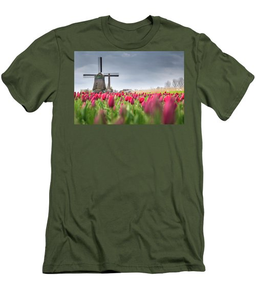 Holland Windmill Men's T-Shirt (Athletic Fit)